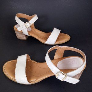 Born 7 Ivory Sandals Open Toe Ankle Strap Comfort